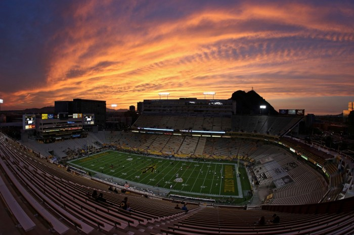 25 Best Largest College Football Stadiums in USA | 2021
