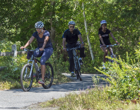 President Obama Vacations in Martha's Vineyard