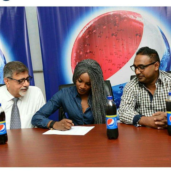 Seyi Shay Pepsi