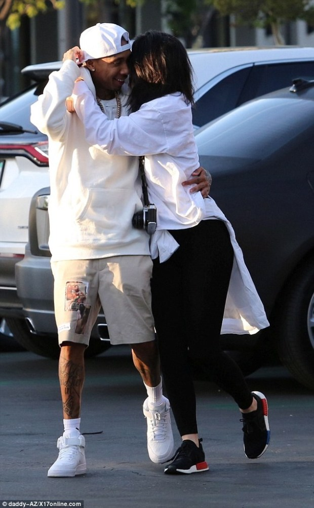 Kylie And Tyga Loved Up3