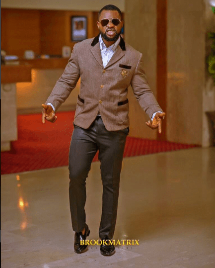 kemen shares cute photos