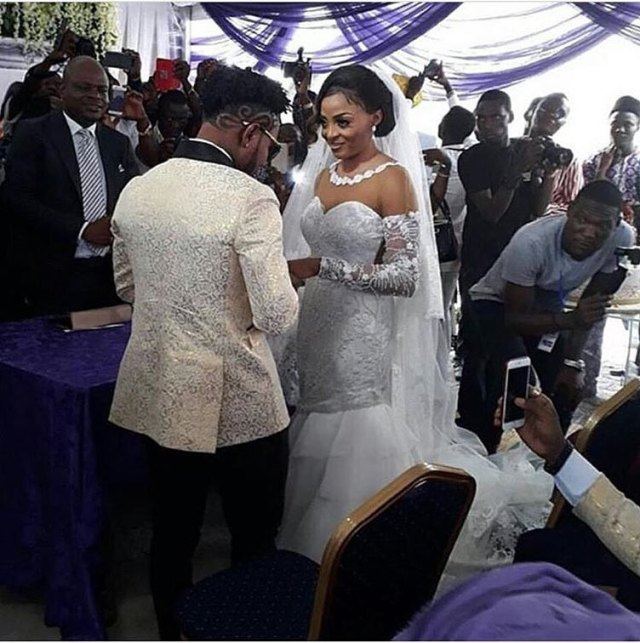 Oritsfemi white wedding