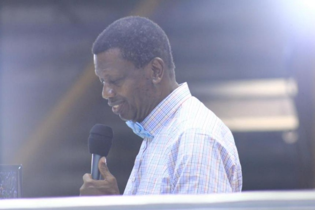 Adeboye 2 - RCCG Holy ghost congress: Pastor Adeboye recounts how he was ambushed during a prayer walk