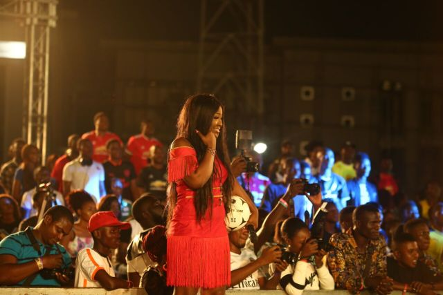MCFC5 - Davido, Runtown, Mr. P, Niniola, Oritsefemi, 9ice, Olu Maintain, Falz & more Shutdown Barbeach at the Merrybet Celebrity Fans Challenge Event