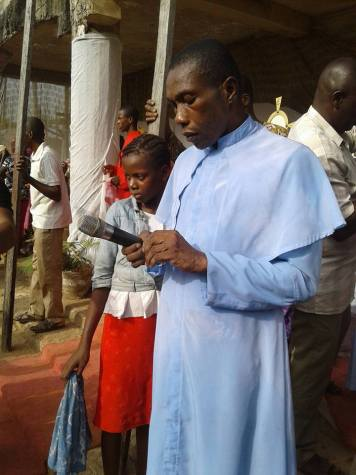 Rev 05 - Rev. Father Chilaka reportedly brings back to life a 3-week-old dead man in Imo state