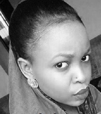Kenyan Woman Exposes Lady