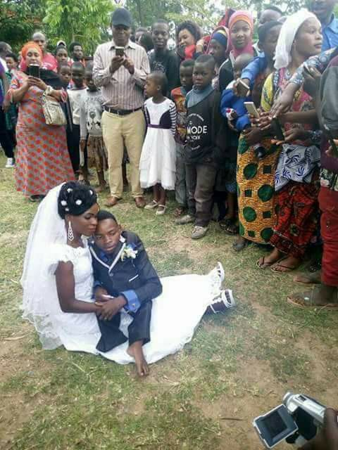 love2 - Love is Wonderful !!! Physically Challenged Man Marries Pretty Lady