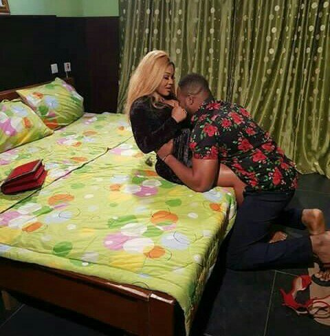 Nigerians Reacts To S€x Role Of  Mercy Aigbe With Another Actor On A Movie Set.(See Photos)