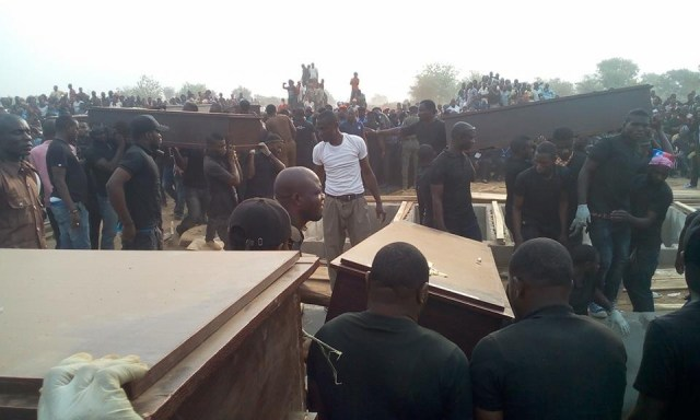 mass burial 06 - Photos from the mass burial for the 75 victims of the Fulani herdsmen attack in Benue
