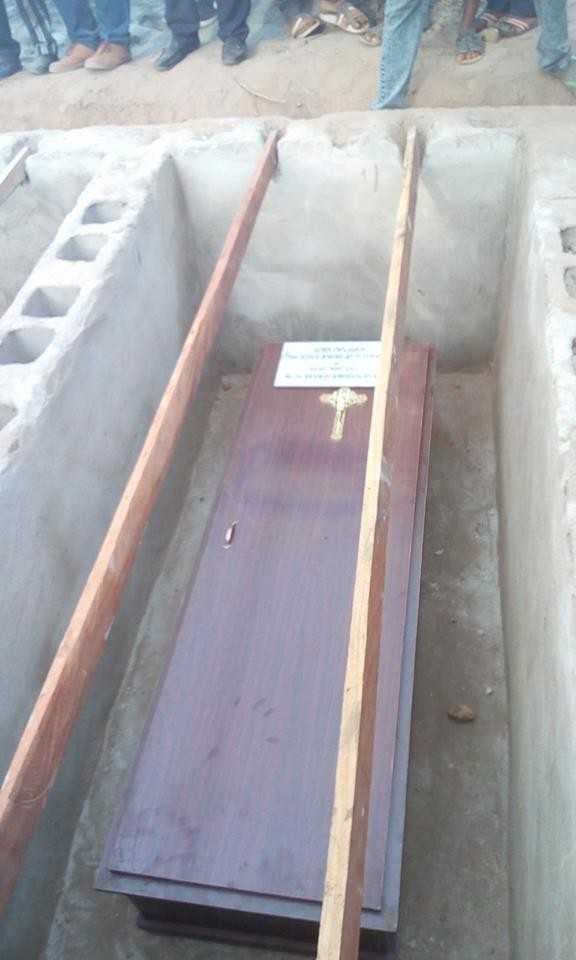 mass burial 07 - Photos from the mass burial for the 75 victims of the Fulani herdsmen attack in Benue