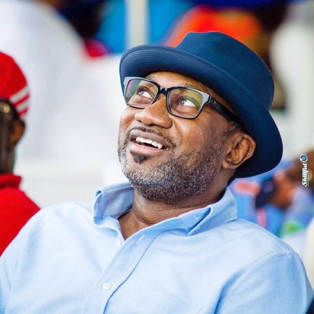 Billionaire businessman, Femi Otedola boards 'Molue' bus in Lagos (Video)
