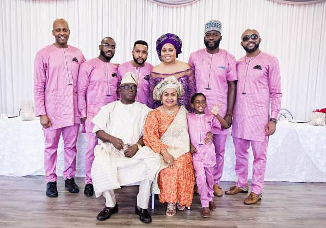 Adesua Etomi photoshopped into the Wellington family photo after her husband.