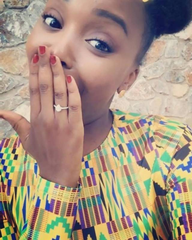 Nigerian man proposes to his girlfriend