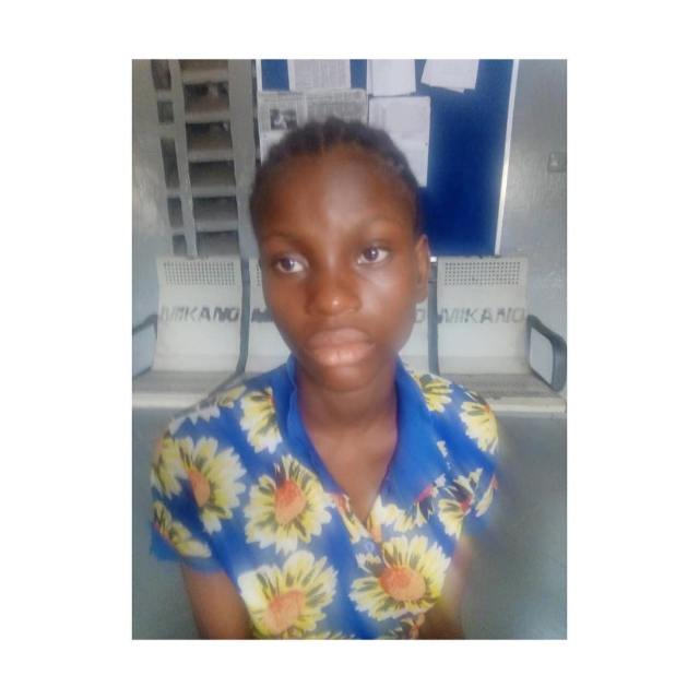 19-year-old girl stabs husband