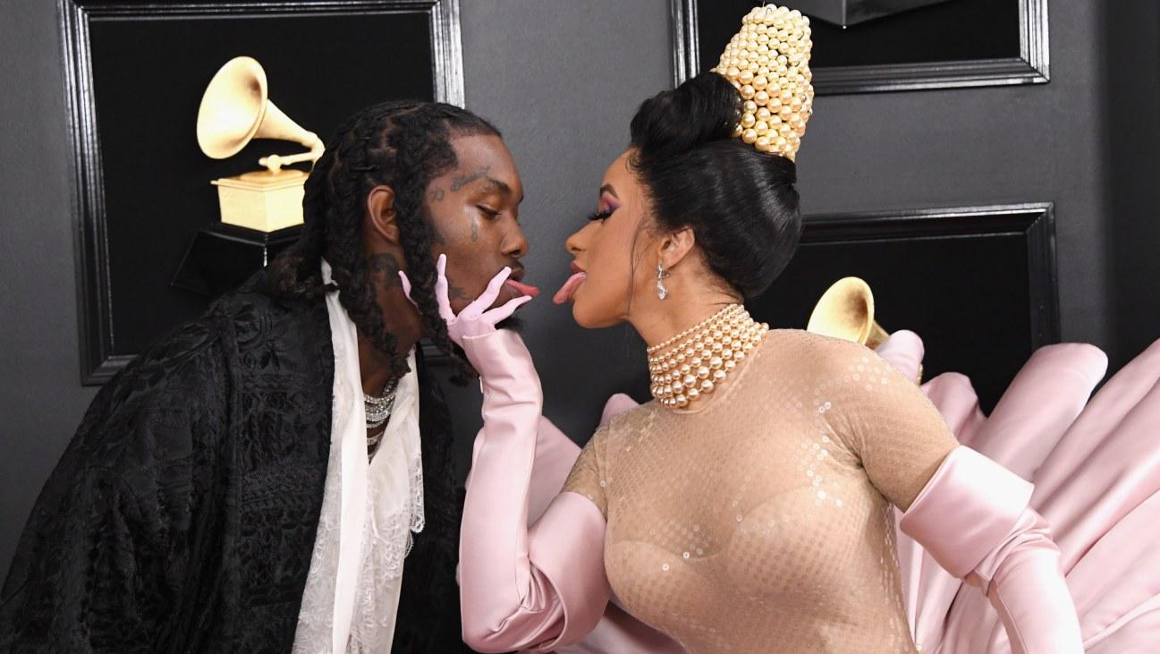 Offset kiss