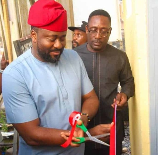 Nigerians berate Desmond Elliot after commissioning a public toilet (Photos)