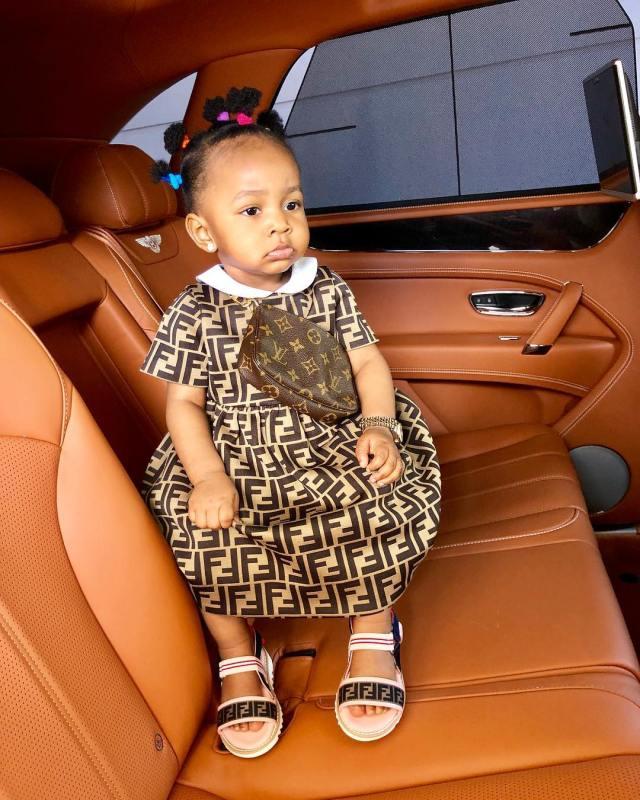 Mompha shares stylish photo