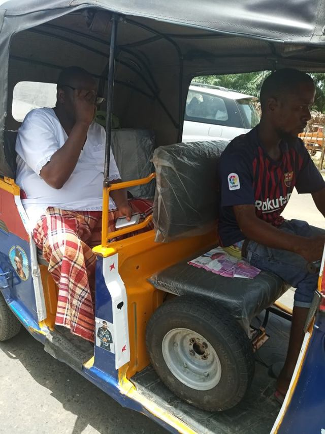 Nigerian Diplomat ditches convoy