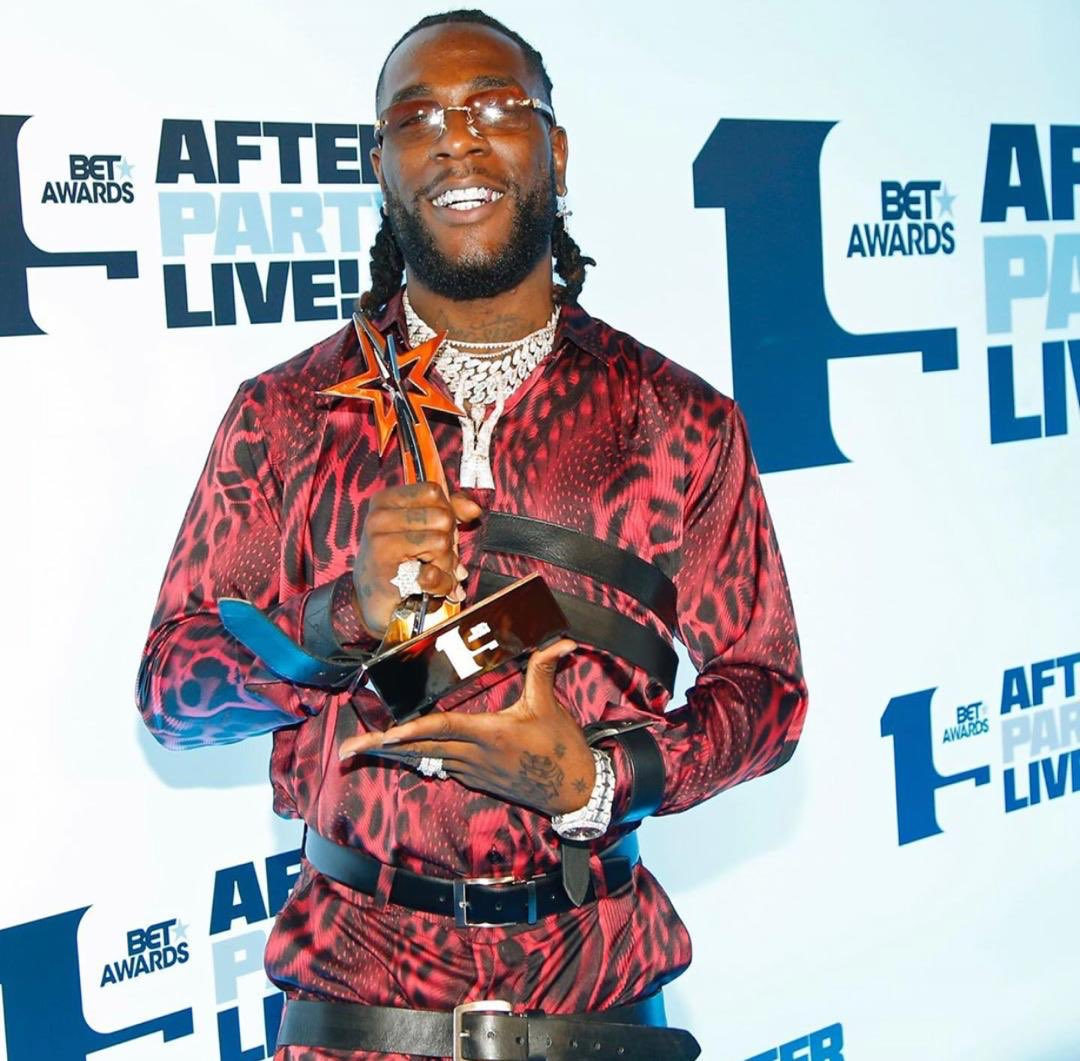 Funny enough I went to get a drink – Burna Boy on why his mum received the award on his behalf