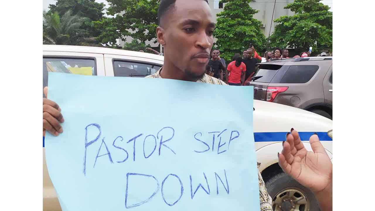 Just-In: Actor Akah Nnani has renounced his COZA membership, calls on everyone to boycott the church