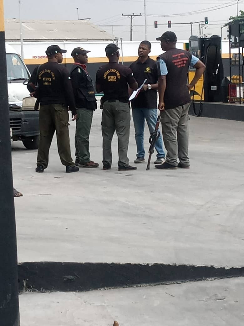 SARS Officers Allegedly Storm A Petrol Station And Demanded To Be Placed On The Payroll (Photos)