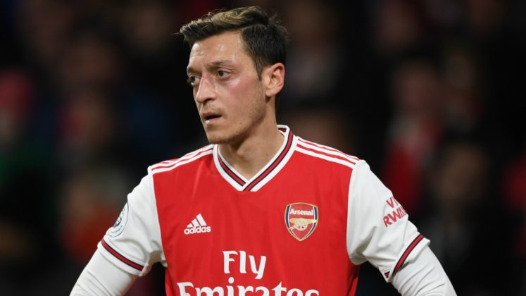 Just in: Arsenal Midfielder, Mesut Ozil, calls for an end to Police brutality in Nigeria