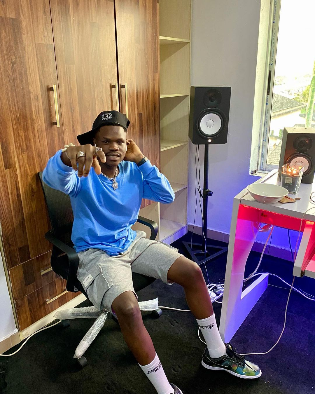 Singer, BadBoy Timz goes emotional after making it to the BILLBOARD Top Thriller charts.