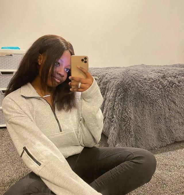 Singer Lyta apologizes