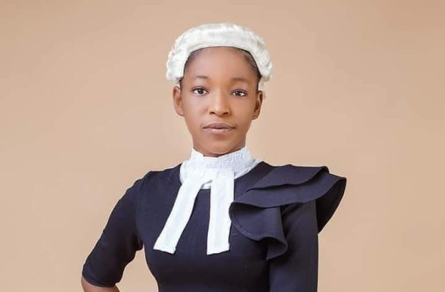 """""""I am not 20"""" - Lady tagged the youngest Nigerian lawyer corrects reports about her age (Video)"""