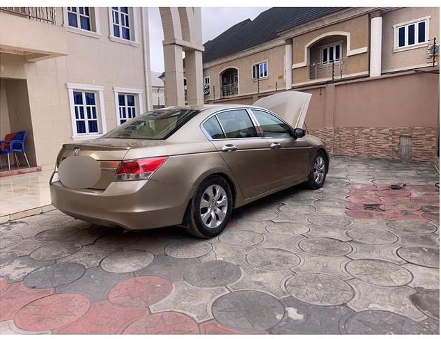 Nigerian lady receives car gift from her man due to Covid-19