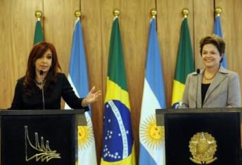 Duel féminin chili : Le 15 décembre 2013 s'est déroulé un duel féminin pour les élections présidentielles au Chili.
