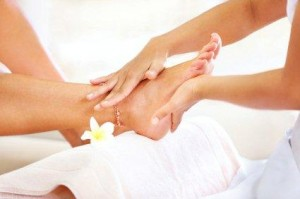 Summer hand and foot care tips
