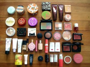 7 Cosmetic Products That Harm Skin