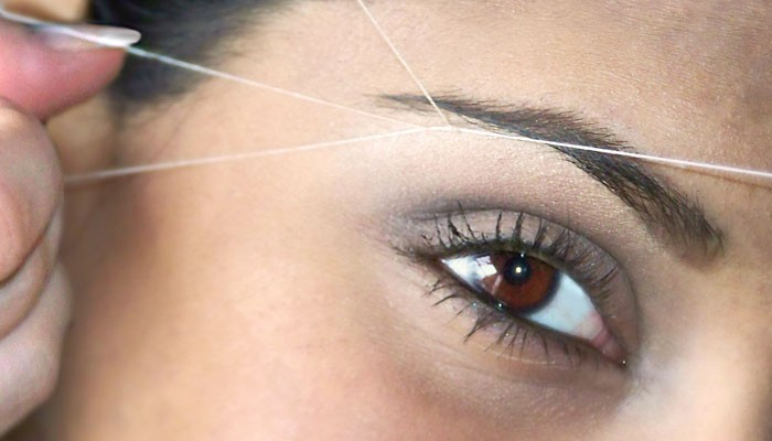 How to thread eyebrows at home