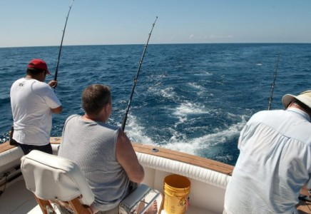 Hateras 46 39 fishing charter cancun yacht rentals in cancun for Cancun fishing trips