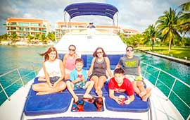 Yacht-Rentals-in-Cancun-Sea-Ray-40-pies-Puerto-Aventuras-Private-Charter-4-Hours-In-Ha-Turtle-Snorkel-Tour-luxury-charter-chef-pirvate-tulum-ruins-luxury