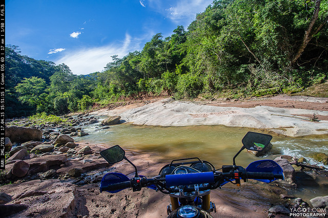 Transpassing the Bella Vista Valley River Bolivia 17229208746_b423bcc616_z