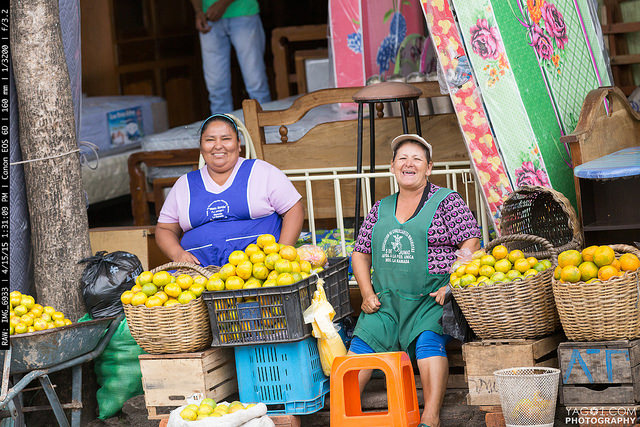 SantaCruzBolivia Street OrangeVendors