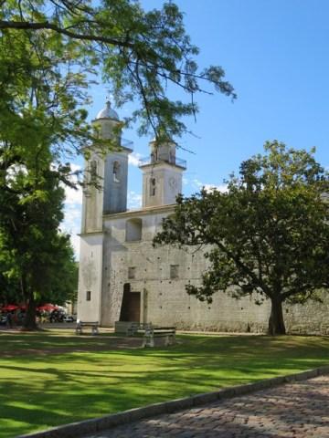 Uruguay Colonia église