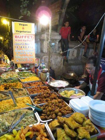 Laos Luang Prabang night market végétarien