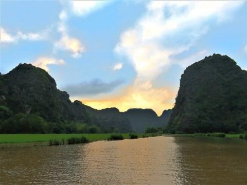 Vietnam Tam Coc Baie d'Along Terrestre