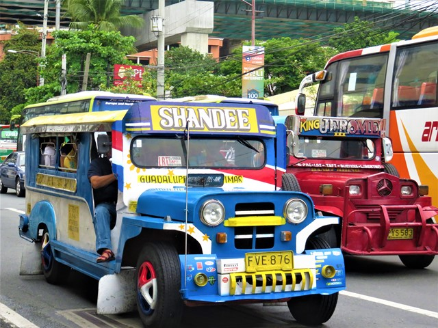 Philippines manille jeepney