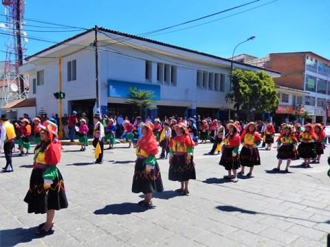 Pérou Huaraz fête marché