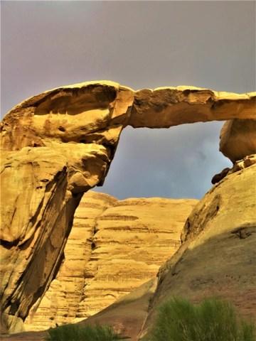 Jordanie désert Wadi Rum arche naturelle