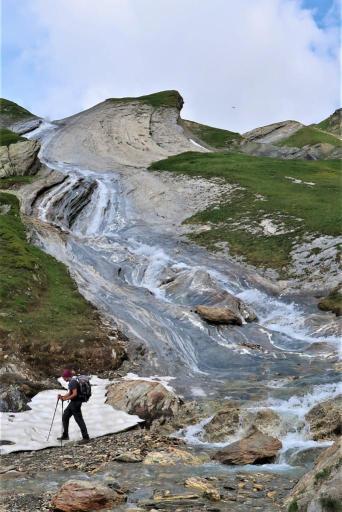 Trek du Tour du Mont Blanc cascade