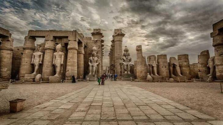 موضوع تعبير عن اهم المعالم السياحية فى مصر