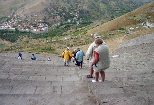 Brave Ya'lla travelers descending the theater at Pergamum. Yikes!