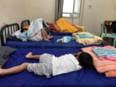 房間的床比麥理浩舒服