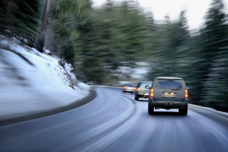 Adelantamientos en carretera