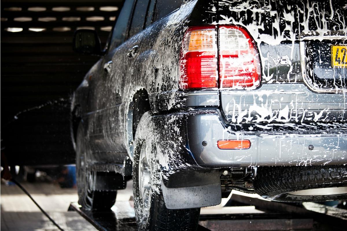 Como lavar el coche sin estropear pintura